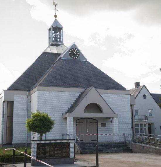 Kerk Ysselsteyn voorzijde